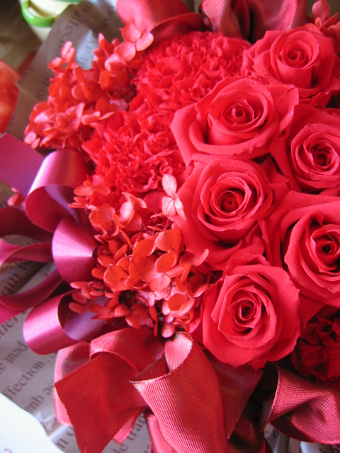 還暦祝い 花 赤バラ プリザーブドフラワーアレンジメント クリアーケース付き